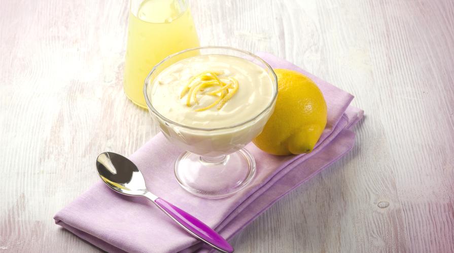Mousse di limone con fragole