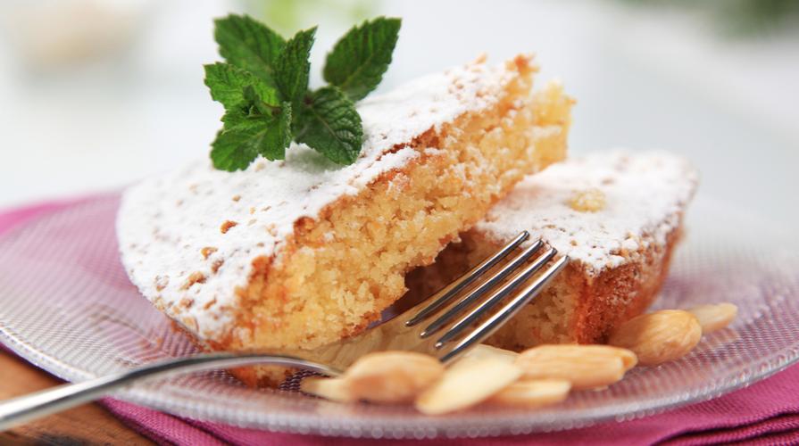 torta fiori di sambuco e mandorle