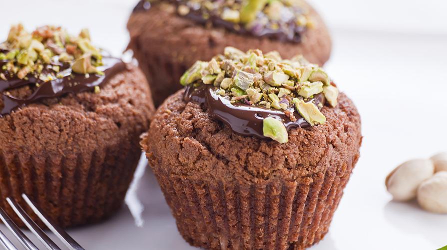 muffin al doppio ciccolato con granella di pistacchio