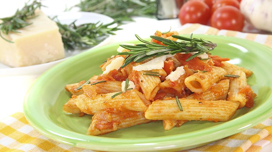 pasta-rosmarino-cotta-nel-passato-di-pomodoro