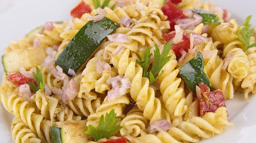 pasta-zucchine-specke-pomodorini