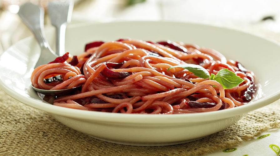 spaghetti-con-bietoline-e-pomodorini