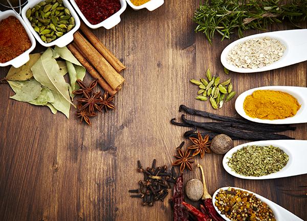Come conservare le erbe aromatiche consigli - Le spezie in cucina ...