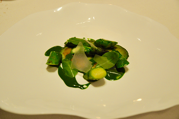 Asparagi verdi, avocado e rucola
