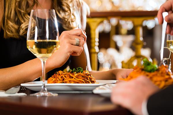 Vino per cena romantica