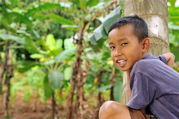 Bambino indonesiano