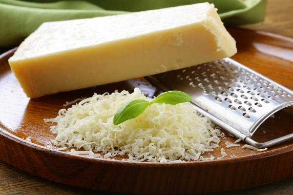 parmesan falso made in italy