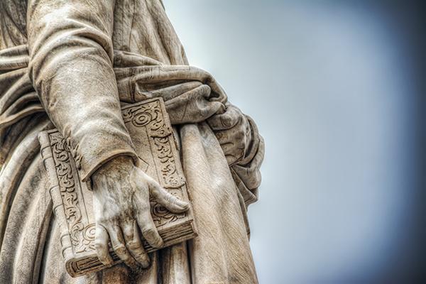 Statua libro