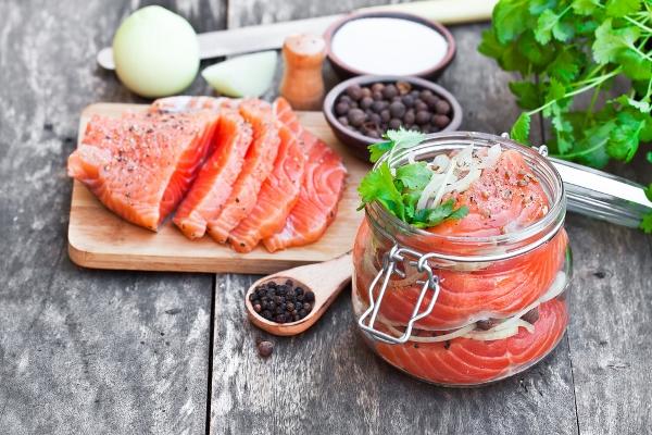salmone fa bene