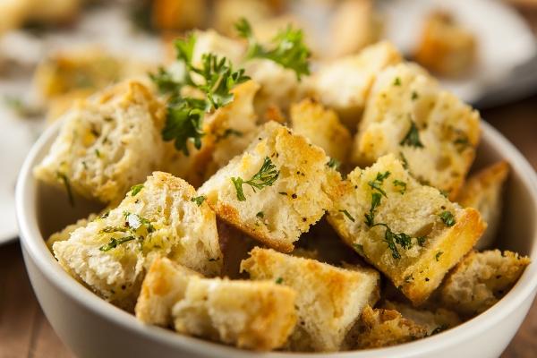 crostini di pane raffermo