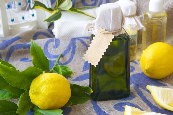 acqua e limone medicina