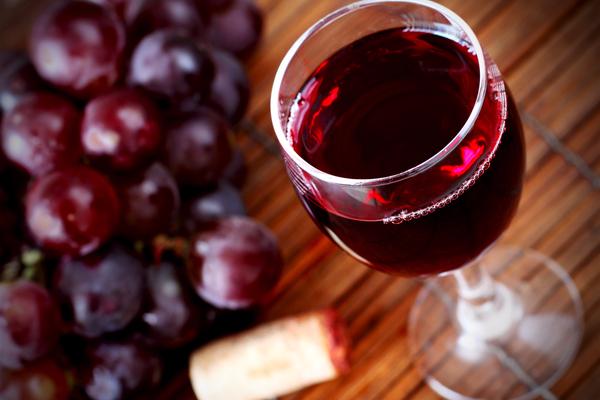 rana pescatrice al vino rosso
