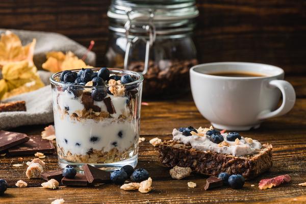 yogurt colazione