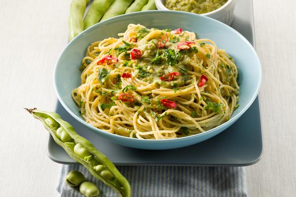 spaghetti con macco di fave