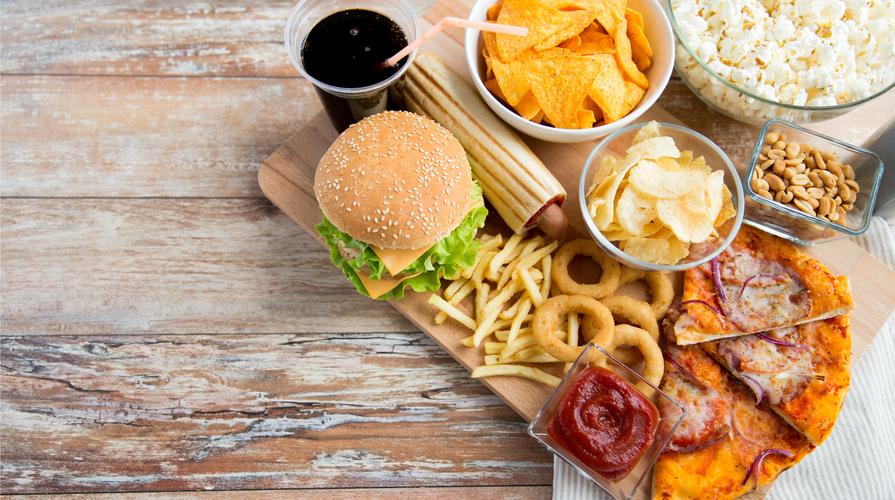tasse sul cibo spazzatura