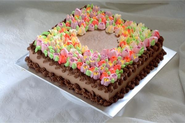 torte di compleanno quadrate