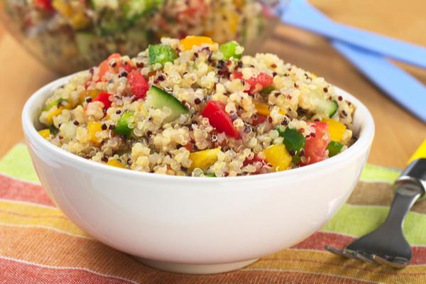 insalata di quinoa e verdure