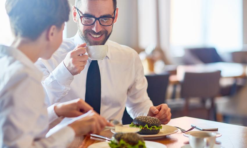 mangiare fuori al lavoro