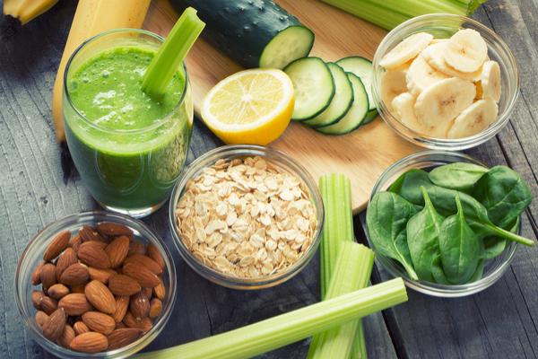 alimenti contro acne