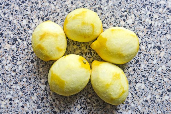 limoni senza buccia