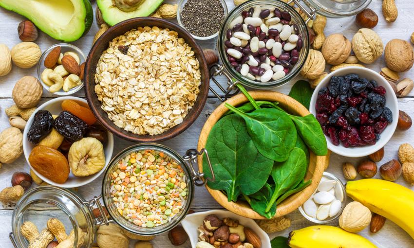 alimenti che contengono molta vitamina k