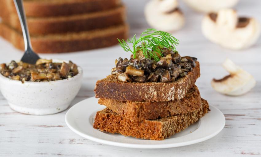 Toast funghi