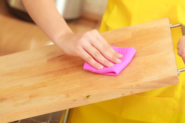 pulire il tagliere