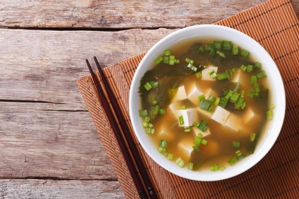 zuppa di miso vegana