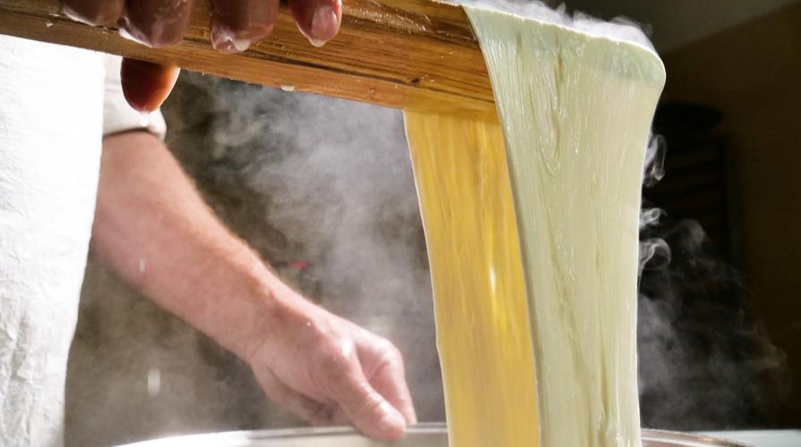 Mozzarella fatta in casa