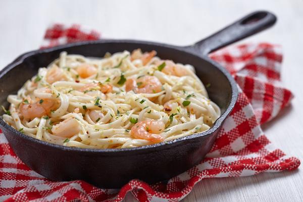 spaghetti gamberi e prosecco