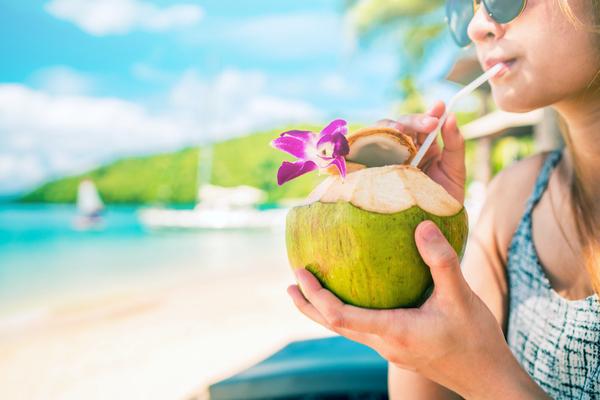 acqua di cocco spiaggia
