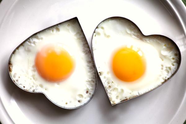 uova cuore