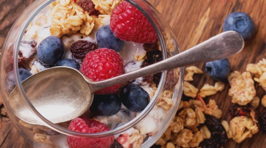 dessert con yogurt greco