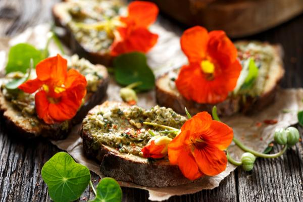 ricetta canapè di fiori freschi