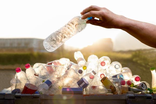 consumo acqua in bottiglia