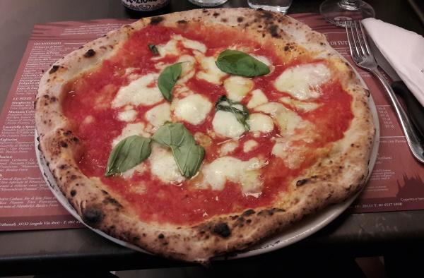 pizza margherita sorbillo
