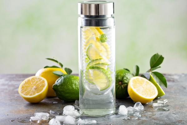 come preparare le acque detox