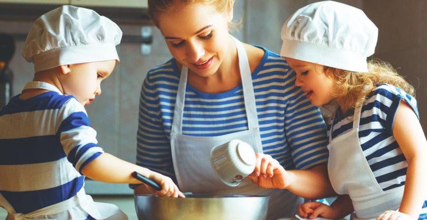 Cucinare con i bambini ricette e idee divertenti tutte vegetali - Cucinare coi bambini ...