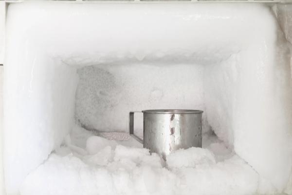 trucchi per sbrinare freezer
