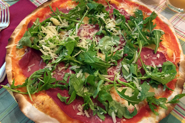 caratteristiche pizza romana