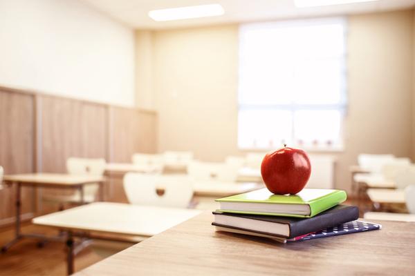 campagna frutta nelle scuole