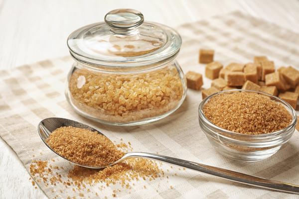proprietà zucchero di canna
