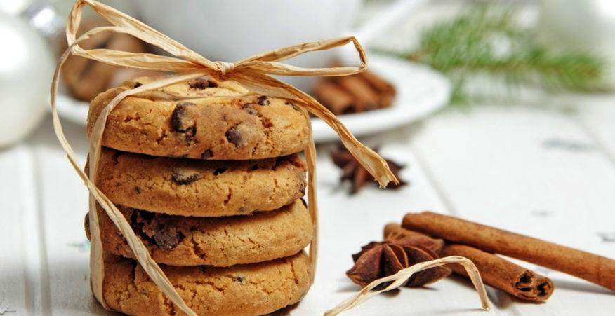cookies al farro con cannella e cioccolato