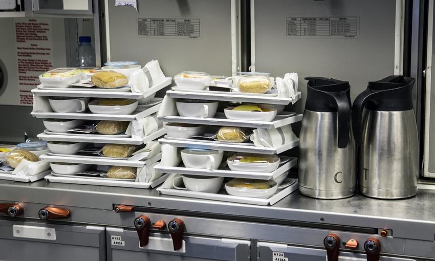 cibo servito in aereo
