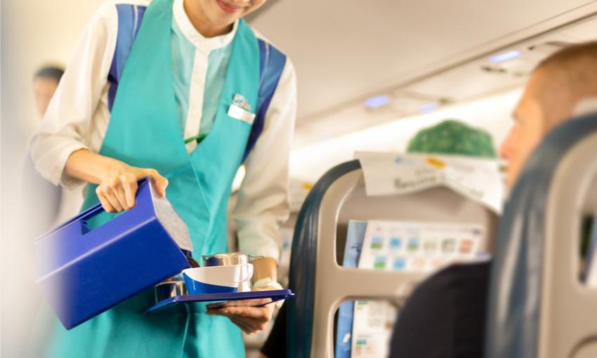 gusto delle bevande in aereo
