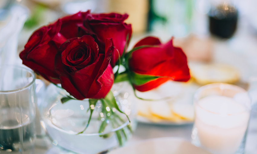 fiori tavola san valentino