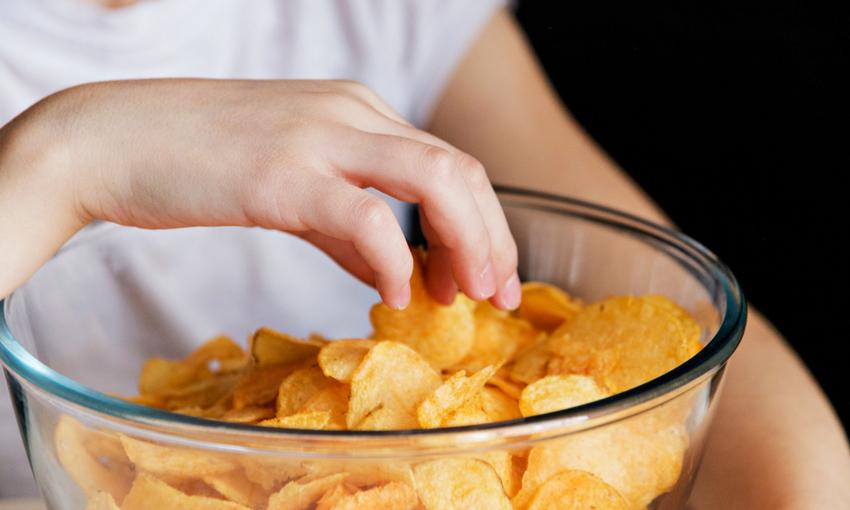malnutrizione bambini cibo spazzatura