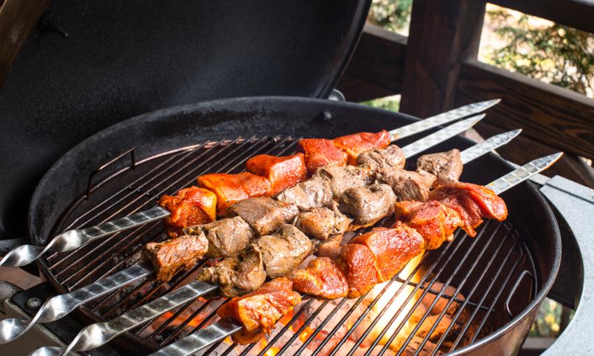 come pulire il barbecue a carbonella