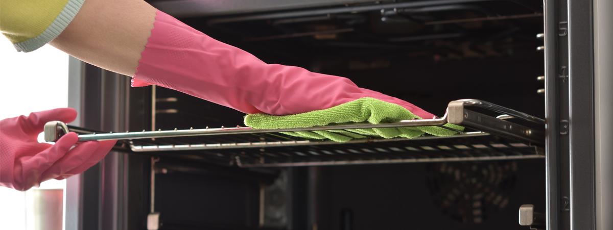 Pulire il forno: rimedi naturali per una pulizia impeccabile