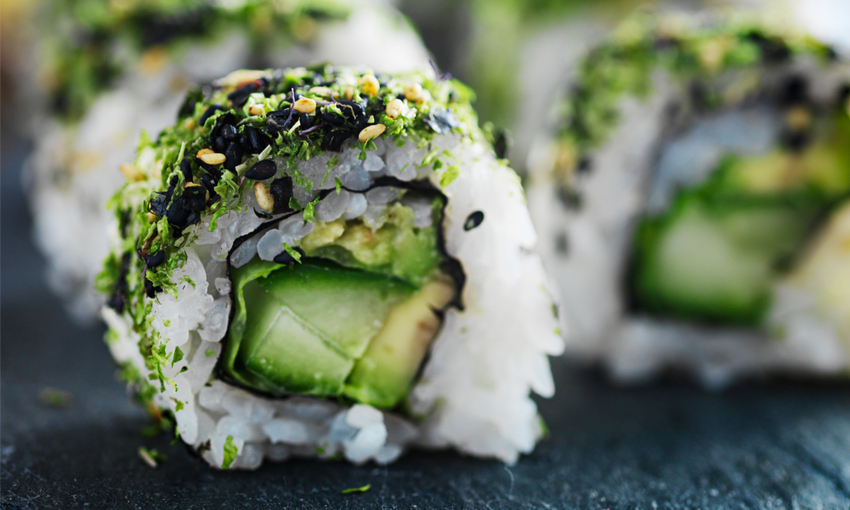 sushi con asparago di mare